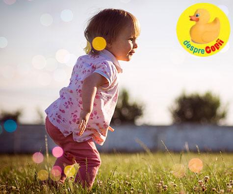 Copilul la 12-13 luni: ce stie sa faca