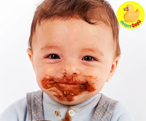 Ce mananca bebelusul la 7 luni? Iata ce alimente si texturi sunt recomandate acestei varste