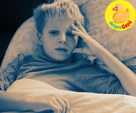 Cand tinem copilul acasa: simptomele pentru care medicul pediatru recomanda sa nu il ducem in colectivitate