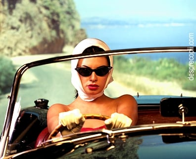 Femeia la volan: cu sinceritate, faruri si mai putine prejudecati