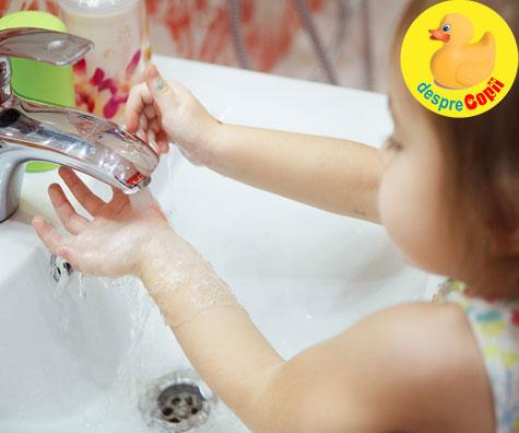 Pastrati mainile copiilor curate cu sapun si apa nu cu produse antibacteriene