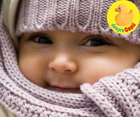 Sfatul medicului: cum trebuie imbracat bebelusul iarna la plimbare
