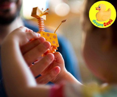 Cum imi ajut copilul sa descopere lumea prin joaca