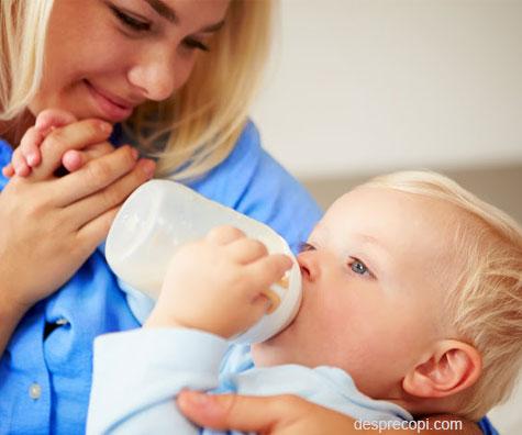Afla de ce e important laptele pentru copii mici