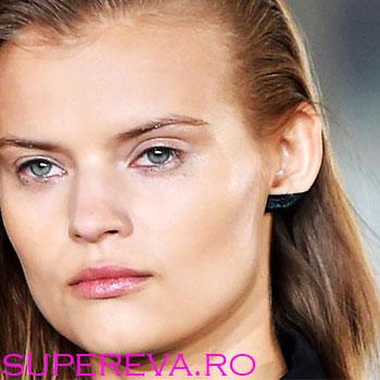 Noul trend: make-up pentru urechi!