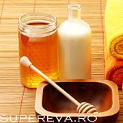 Masca de miere pentru tratarea acneei