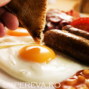 Un mic dejun imbelsugat va mentine suplu: adevarat sau fals?