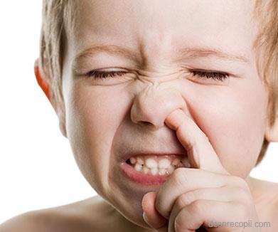 Igiena nazala a bebelusului: cum scapam de nasul infundat?