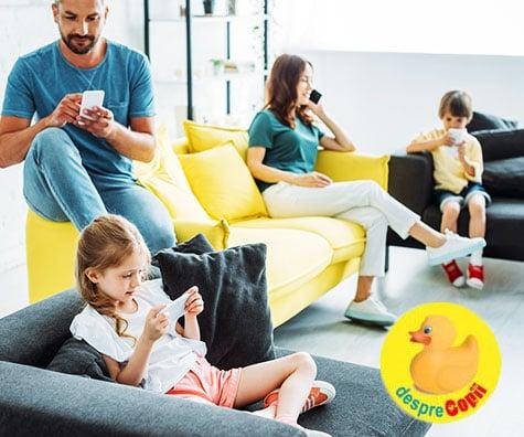 Tu sau copilul tau sunteti dependenti de smartphone? Faceti acest test si veti vedea