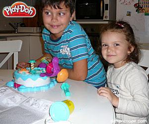 Mos Nicolae, nu uita de Play-Doh FABRICA DE TORTURI !!
