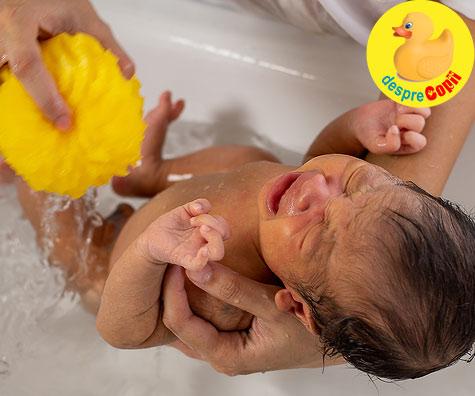 Prima baie a unui bebelus - emotiile unui tatic