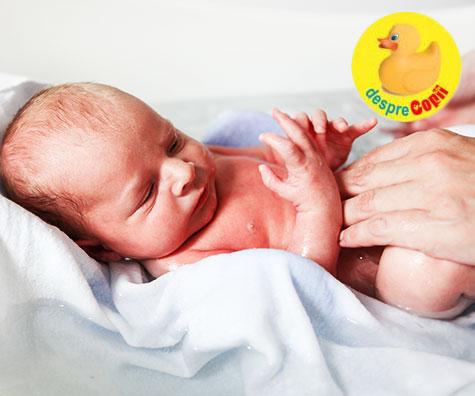 Prima baie a bebelusului: cum o pregatim, de ce avem nevoie si ce este esential pentru ca totul sa decurga perfect