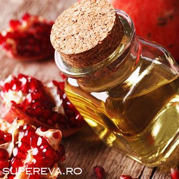 Top 8 beneficii ale uleiului de seminte de rodie pentru pielea ta