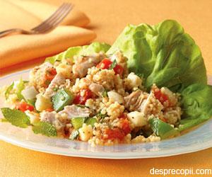 Salata de pui cu fructe si cuscus