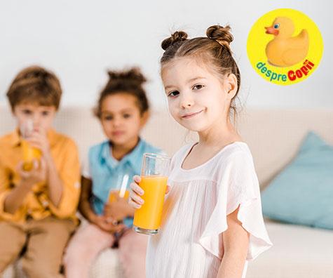 Dam copilului sucuri de fructe? Iata parerea expertilor
