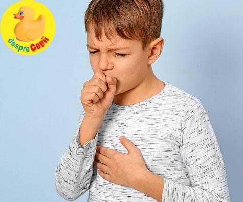 Tratamentul corect al tusei cu expectoratie la copii este important