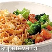 Spaghetti cu rosii si mozzarella