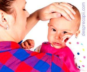 Varsaturile bebelusului - bebe vomita